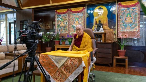 Đức Dalai Lama thuyết pháp trở lại