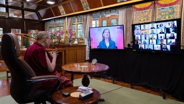Đức Dalai Lama chia sẻ về Xung đột, Covid-19 và Lòng từ bi