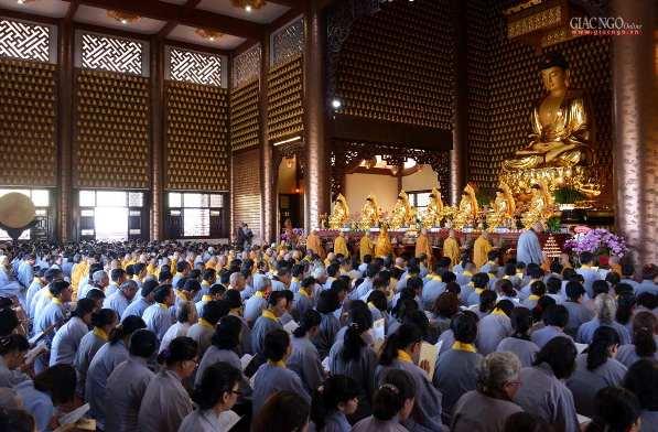 Trang nghiêm khai đàn Pháp hội Dược Sư tại chùa Huê Nghiêm