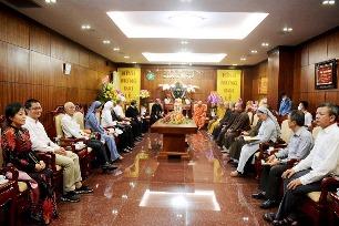 Phái đoàn Công giáo mừng lễ Phật Đản BTS GHPG (5.5.2020)