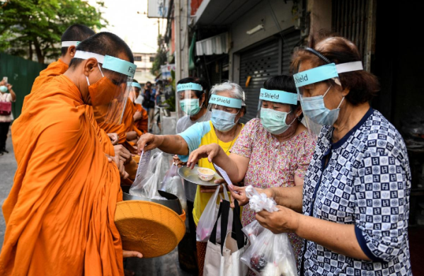 Lời khuyên của nhà sư Thái Lan về ứng phó dịch bệnh