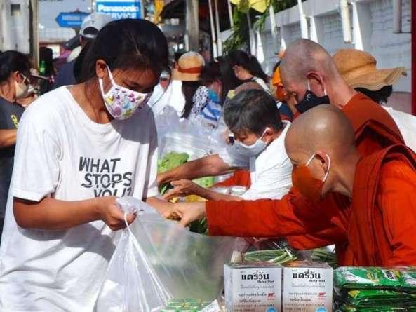 Thái Lan: Vị Ni sư đồng hành cùng người nghèo trong dịch bệnh