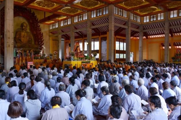 Lễ hoàn đàn Pháp hội Dược Sư tại Việt Nam Quốc Tự