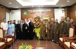 Phái đoàn Tòa Tổng Giám mục TP.HCM chúc mừng lễ Phật Đản 2018