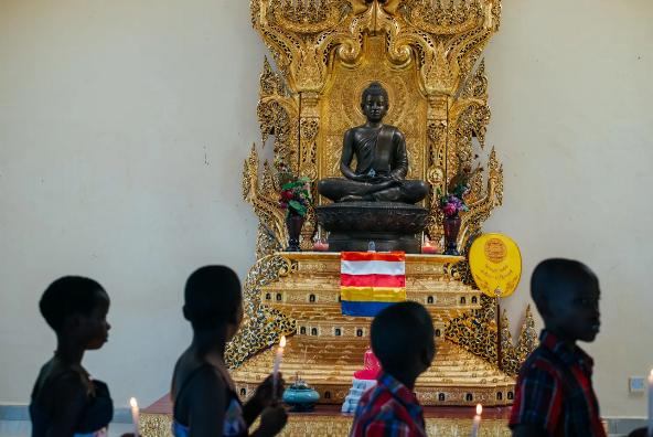 Hạt giống Phật pháp nảy mầm trên mảnh đất Phi châu