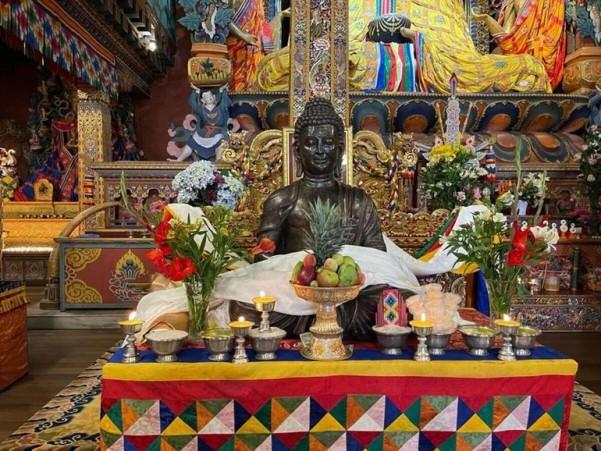 Ấn Độ tặng tượng Phật cho Bhutan nhân kỷ niệm ngày sinh của ngài Liên Hoa Sinh