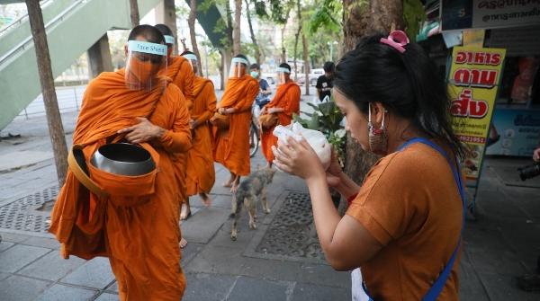 Thái Lan: Phật giáo chung tay phòng chống đại dịch