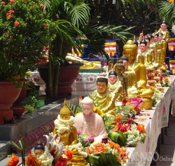 Lễ tắm Phật Tết cổ truyền Chol Chnam Thmay
