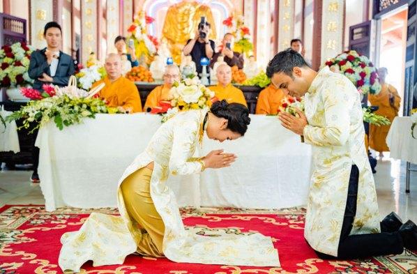 Suy nghiệm lời Phật: Vợ chồng phải cung kính nhau