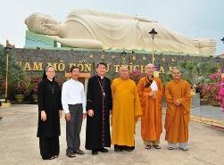 Tòa Giám mục Mỹ Tho chúc mừng Đại lễ Phật Đản năm 2018