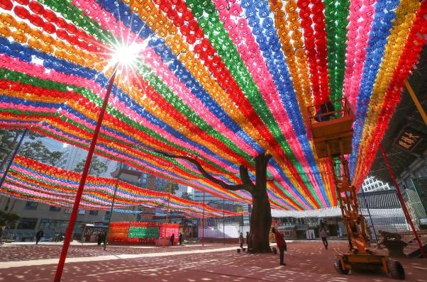 Để tránh lây nhiễm bệnh Covid-19 Hàn Quốc dời ngày tổ chức lễ Phật đản năm 2020