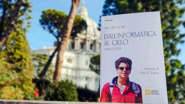 """Sách mới về chân phước Carlo Acutis: """"Từ tin học đến thiên đàng"""""""