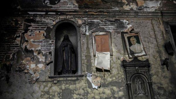 Một nhà thờ di tích quốc gia ở Chile nghi bị đốt cháy
