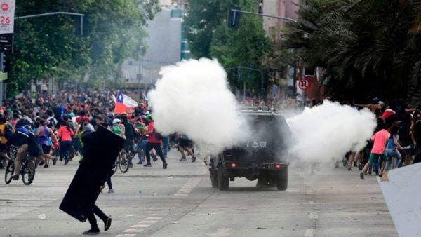 Các cuộc biểu tình tiếp diễn ở Chilê