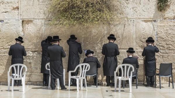 Các Giáo hội Kitô yêu cầu luật trừ cho Đền thờ Thánh mộ