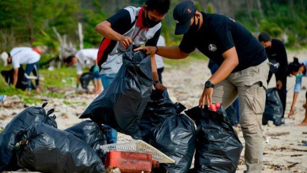 Một Tổng giáo phận ở Brazil tham gia chương trình tái chế nhựa để giảm rác thải ở biển