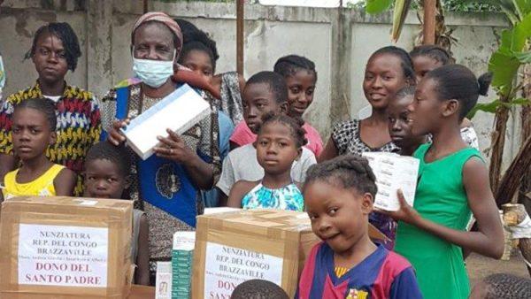 ĐGH hỗ trợ thuốc cho một trung tâm trẻ mồ côi ở Congo