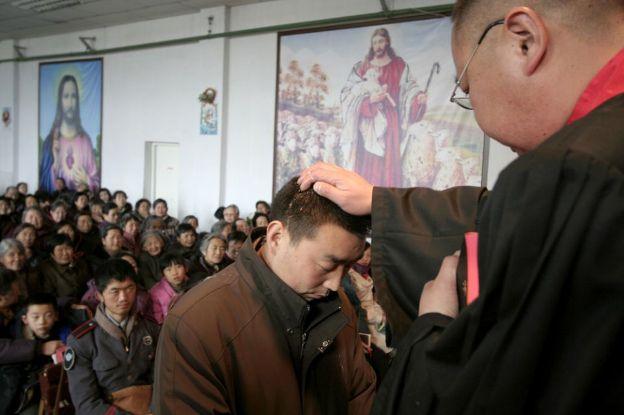 Trung Quốc: Gần 50.000 người được rửa tội trong năm 2017