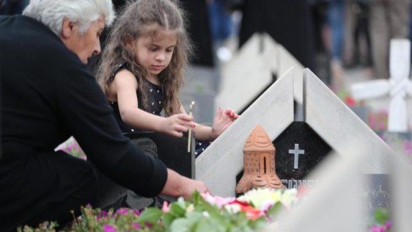 Tại Nga: 63% tuyên bố theo Chính thống giáo, 15% vô thần