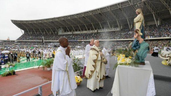 ĐGH Phanxicô cử hành Thánh lễ tại sân vận động Zimpeto, Mozambqiue