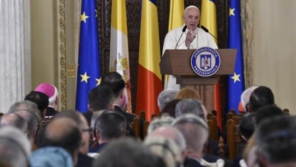 ĐGH Phanxicô gặp gỡ chính quyền, đại diện xã hội Rumani và ngoại giao đoàn