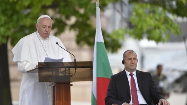 ĐGH Phanxicô gặp gỡ chính quyền và các đại diện xã hội Bulgari