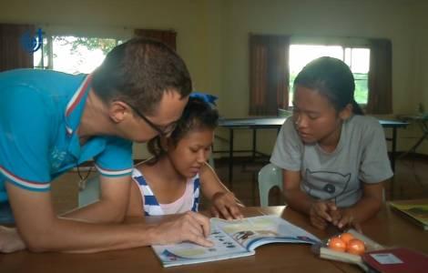 Dòng Ngôi Lời giúp nâng cao nhận thức về AIDS tại Thái Lan