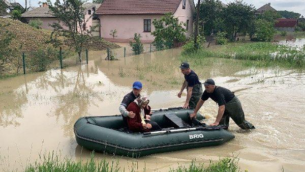 """""""Một giáo xứ vì một giáo xứ"""", sáng kiến của Giáo hội Công giáo Đông phương cho các nạn nhân lũ lụt"""