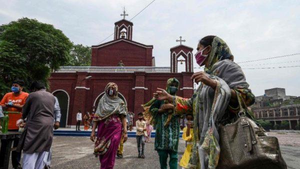 Hơn 2.000 Kitô hữu và hơn 500 gia đình tại Pakistan được hỗ trợ