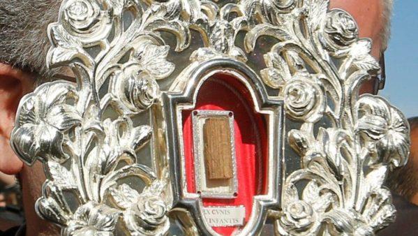 Vatican tặng lại mảnh gỗ máng cỏ của Chúa Giêsu cho Bêlem