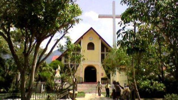 Lễ tang cha Celilio bị giết tại La Majada, El Salvador
