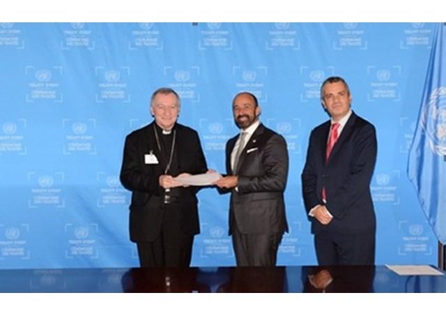 Tòa Thánh tham gia hiệp ước chống tham nhũng.