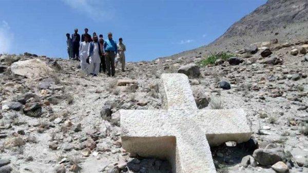 Thánh giá có niên đại ngàn năm tuổi được tìm thấy tại Pakistan