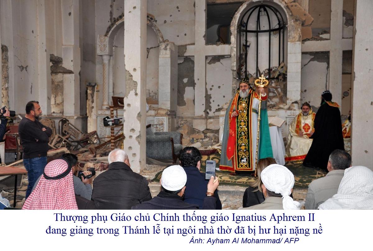 Syria: Các Kitô hữu hồi hương và cử hành Phụng vụ Thánh Thể trong ngôi nhà thờ đổ nát