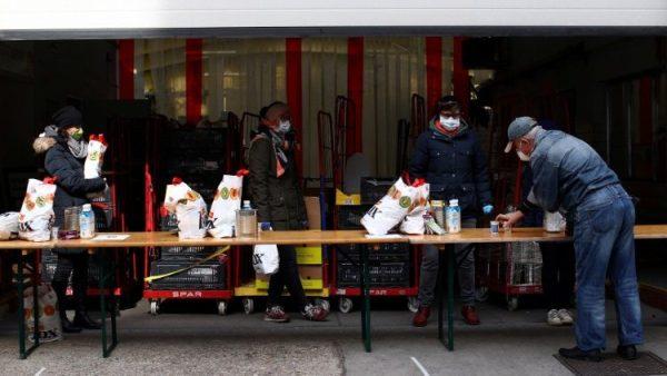 Hơn 100.000 tình nguyện viên Ba Lan phục vụ người nghèo giữa đại dịch