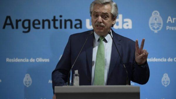 Tổng thống Argentina kêu gọi các linh mục giúp các khu ổ chuột đối phó với Covid-19
