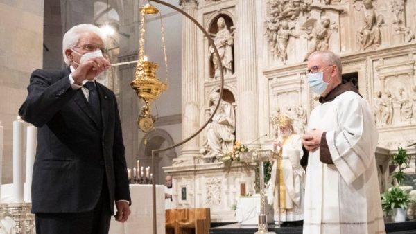 Tổng thống Ý viếng đền thánh Đức Mẹ Loreto và cầu nguyện cho hòa bình
