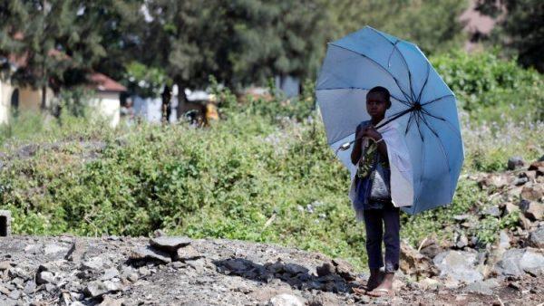 Số trẻ em mồ côi vì Ebola ở Congo lên đến 1.380 em