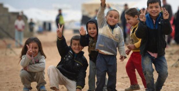 Trẻ em Syria ký tên vào thỉnh nguyện thư kêu gọi hoà bình