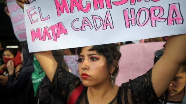 Ngăn chặn bạo lực đối với phụ nữ là điều khẩn thiết