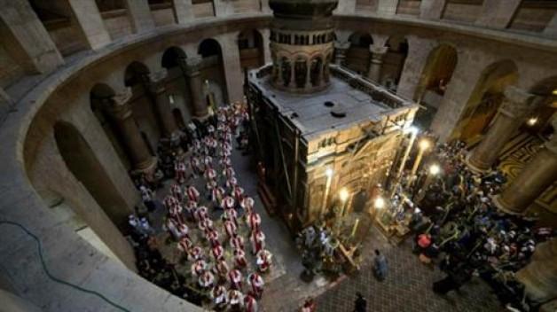 Tổng thống Mahmud Abbas của Palestin đóng góp cho việc trùng tu Mộ Chúa