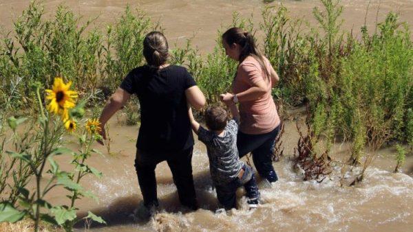 Các GM Hoa Kỳ đòi phải hành động trước cái chết thương tâm của cha con người di dân El Salvador
