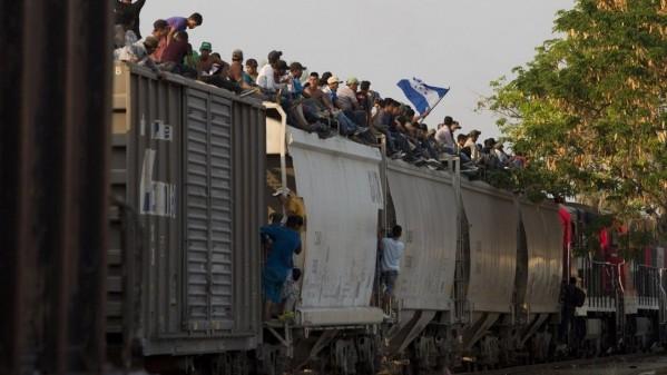 ĐGH Phanxicô góp 500 ngàn đô giúp người di dân Trung Mỹ đang bị chặn lại ở Mêhicô