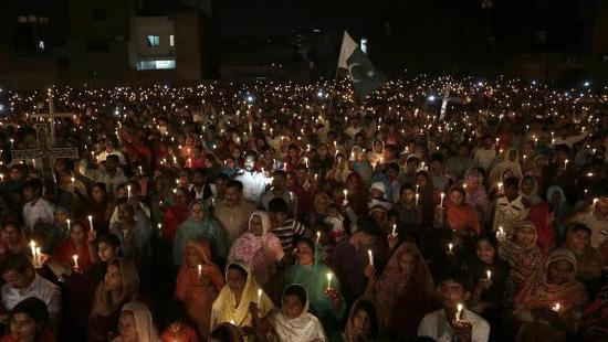 Các nhà lãnh đạo tôn giáo cầu nguyện cho các nạn nhân trong cuộc khủng bố vào lễ Phục sinh tại Pakistan