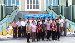 Quà Tết giúp người nghèo tại Tân Hiệp - Kiên Giang
