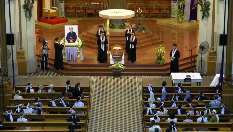 Linh cữu Đức TGM Phaolô Bùi Văn Đọc trở về Việt Nam, Thánh lễ phát tang, canh thức cầu nguyện và lễ viếng