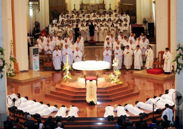 Thánh lễ Truyền chức Linh mục tại TGP Sài Gòn ngày 7.6.2019