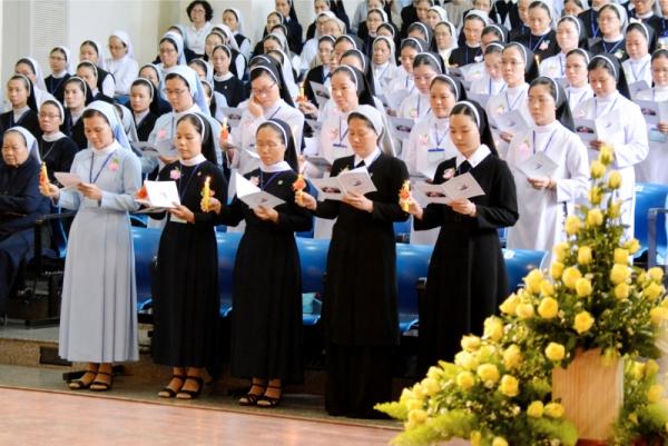 Thánh lễ bế giảng khóa Thần học Hè 2019 của Liên dòng nữ