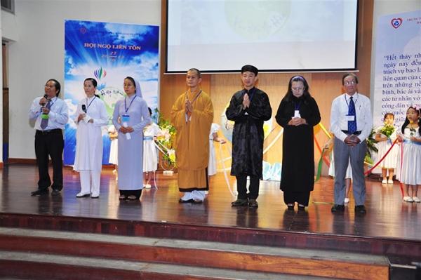 Hiệp tâm cầu nguyện - Hội ngộ Liên tôn 2013
