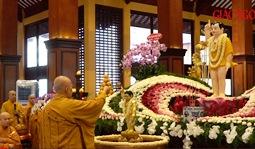 Lễ Tắm Phật tại Việt Nam Quốc Tự - Đại lễ Phật đản PL.2564